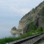 Mit der Transsibirischen Eisenbahn zum Baikalsee: atemberaubende Aussicht